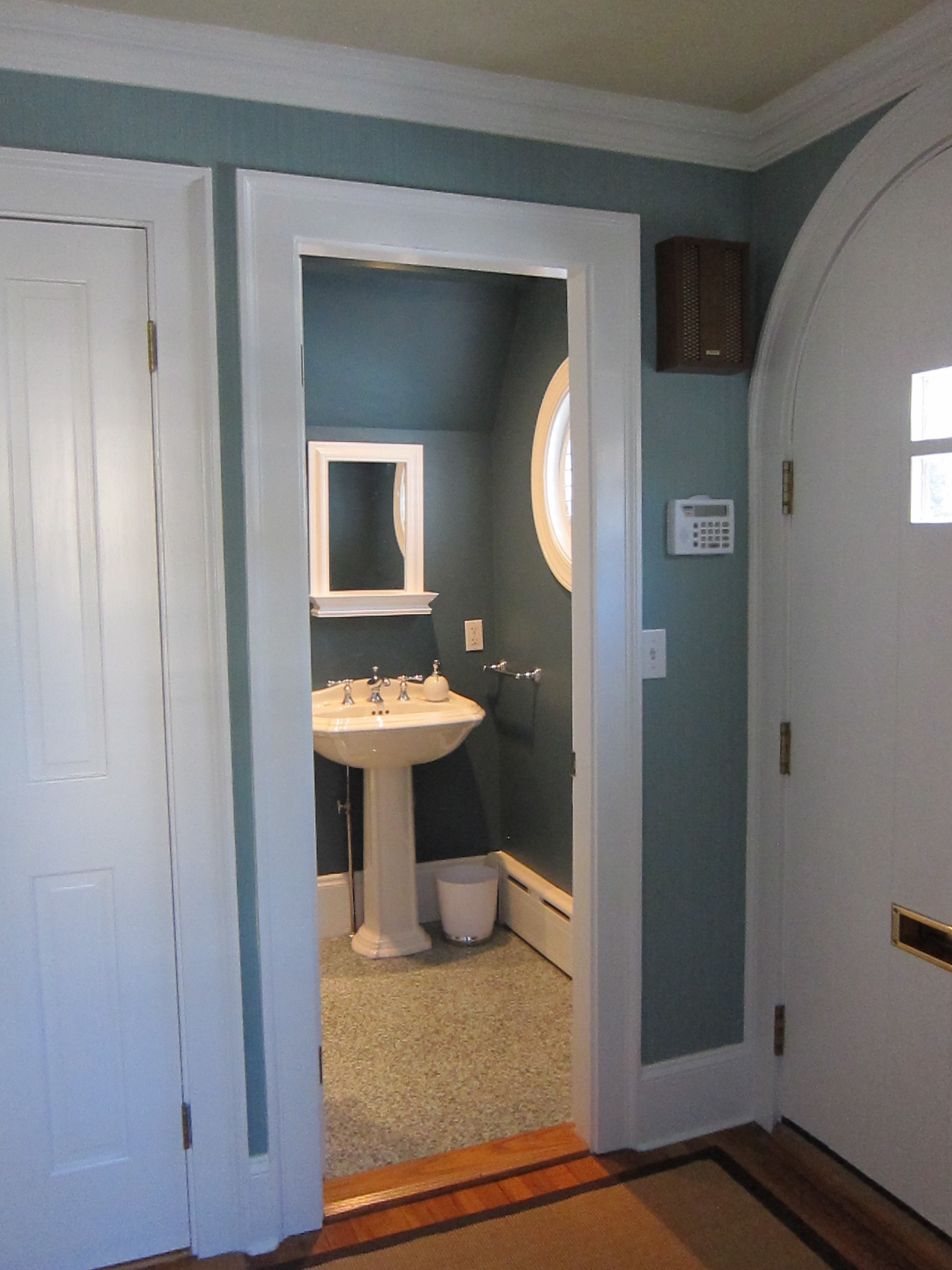 Foyer Powder Room : Using color to create balance harmony interiors for