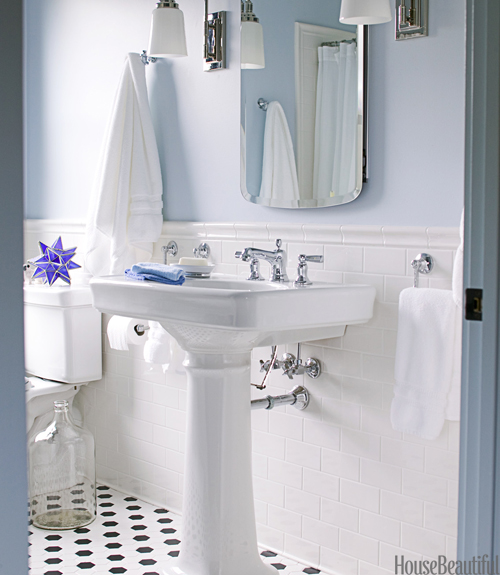 Traditional Black and White Bath - via House Beautiful