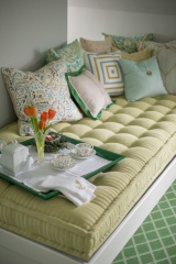 Room Reveal: My Colorful, Light + Airy GuestSuite