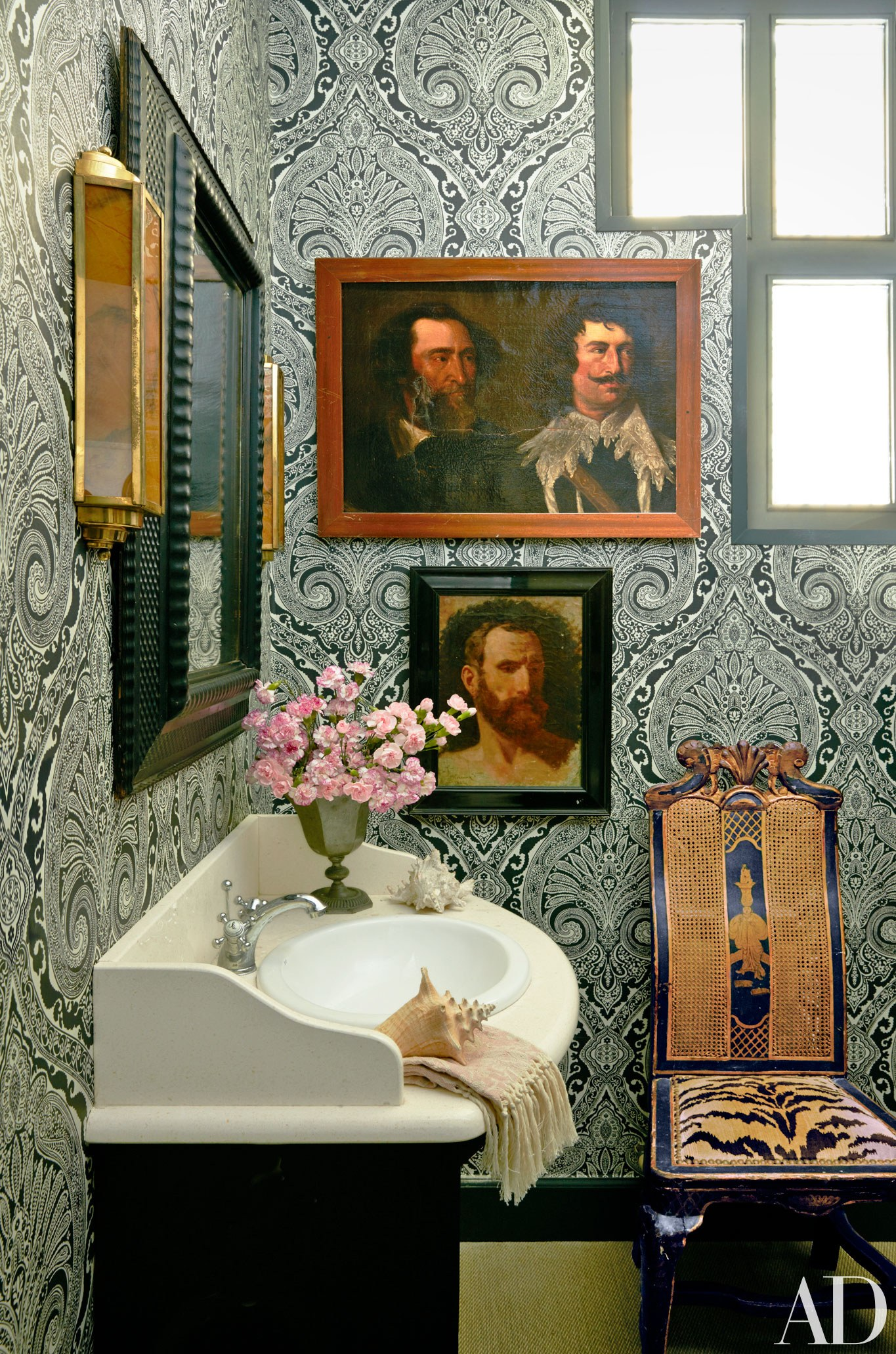 Lorenzo Castillo | The Allure of Antique Portraits | Interiors for Families